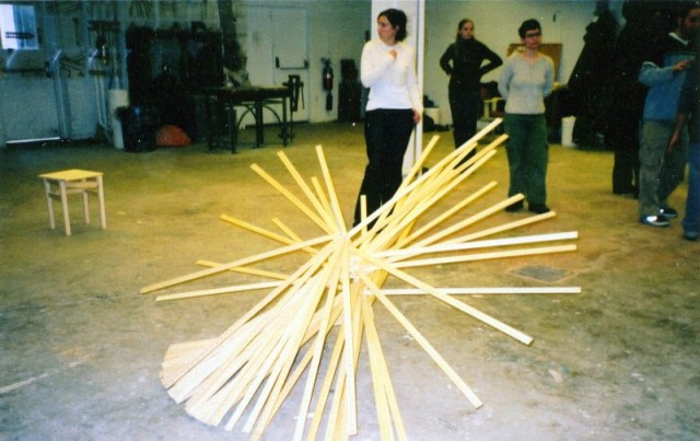 akamundo_sculpture_repetition_pattern_organic_Meter_Sticks_Original-640x403